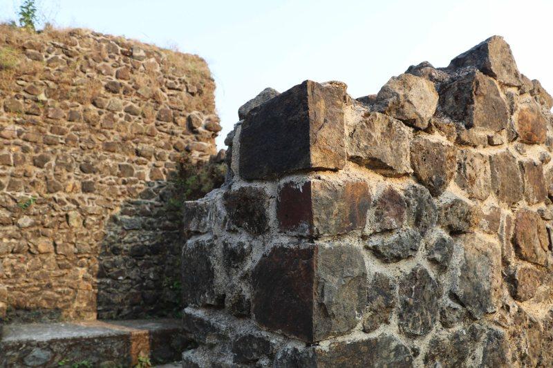 Manadapeshwar ruins2